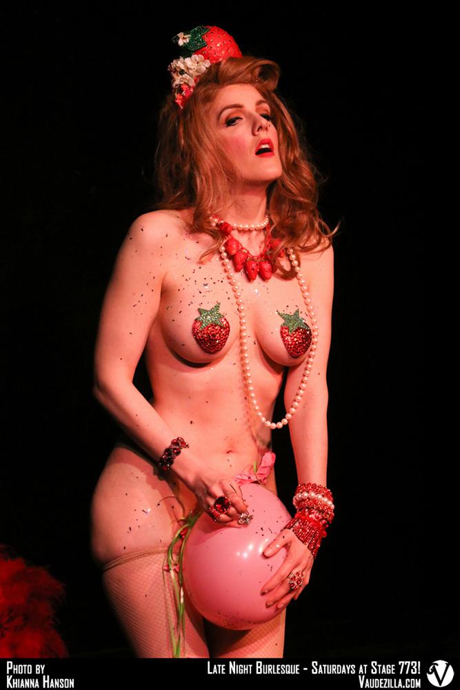 Hire Chicago Burlesque Dancer